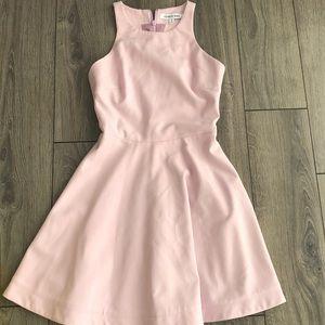 Elizabeth James dress